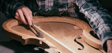 La construcción de un violonchelo